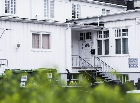 BASEN: Fra dette kontoret mener politiet at Onlineopplysningen har svindlet flere hundre virksomheter i Norge. FOTO: Eirik L. Bjerklund