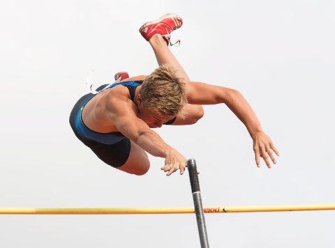 Sondre Guttormsen satte ny norsk juniorrekord i stav mandag kveld.