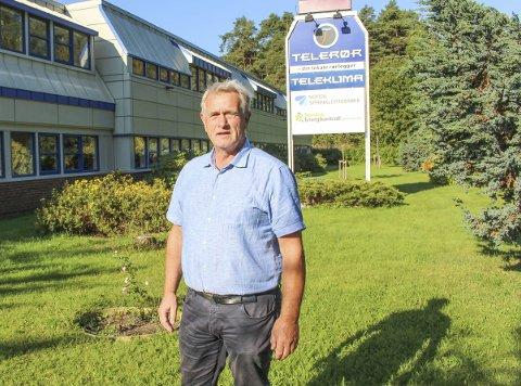 INNEHAVER: – Vi kan ikke ha det sånn i to og et halvt år, sier Jørn Brog om den foreslåtte anleggsveien over plenen deres i Versvikvegen i Porsgrunn.