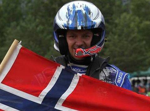 FESTET GREPET: Espen Isaksætre vant NM-runden på Melhus og leder nå sammenlagt med 24 poeng.