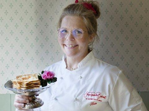 TIL TOPPS: «Årets bakst» var det Anita Lomnes som stakk av med, for sine sirupstynnkaker etter bestemors oppskrift fra Rendalen.