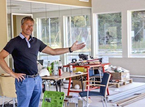 Nøtterøy IF har fått sitt nye klubbhus på plass, men er ikke redd for flere prosjekter. Leder Jørn Andersskog har skrevet til kommunen i forbindelse med rullering av kommuneplanen, med håp om å få bruke et av skogsområdene ved dagens idrettspark.