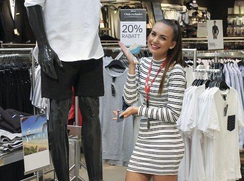Henne Numme (15) håper hun gjør et så godt inntrykk i jobbuka, at hun får jobb på Hennes & Mauritz på Down Town når hun starter på videregående.