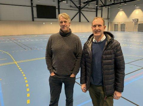 Frykter trange forhold: Kjetil Larsen og Kjell Karlsrud (t.h.) ved idrettslinja og Kjølnes ungdomsskole mener de må få førsteretten på bruk av nye og eksisterende idrettshaller på Kjølnes.