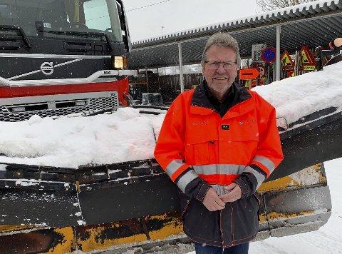 Kan bli dyrt: Virksomhetsleder Torbjørn Krogstad må lage en ROS-analyse i forhold til forurensningen i snøen kommunen dumper i elva. Må de slutte å dumpe snøen i elva kan det koste kommunen 100.000 kroner per snøfall.