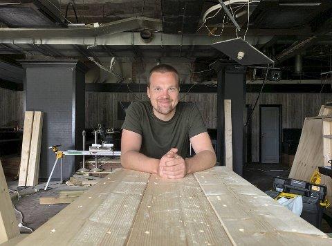 Tar tilbake park: Sondre Thorsen (25) skal ha nye båser og trebord i lokalet. Han forteller at det har vært viktig for alle involverte å ta tilbake Park-navnet. Derfor byttes «Public Nightclub»-skiltet ut med ny logo om ikke lenge.