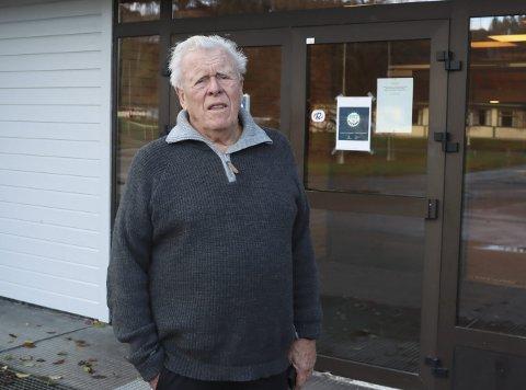 IKKE OVERRASKET: Jan Løkslid var med i byggekomiteen da Eidangerhallen og Heistadhallen skulle bygges for 40 år siden. han forteller at en av tilbyderne den gangen, Norske Stålbygg fra Sandefjord, advarte mot dårlig grunn på Heistad. Hallene sto ferdig til bruk i 1983.