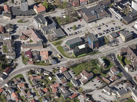 NYTT BYGG: På dette fugleperspektiv-bildet er nybygget på Folkets Hus-eiendommen tegnet inn. Ny studie peker på store muligheter i hele dette sentrale byområdet.