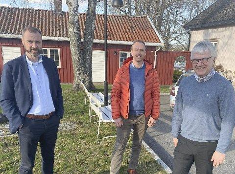 Stenger gjestehavner og campingplassxer: Geir Bjelkemyr-Østvang, Torstein Dahl og Hallgeir Kjeldal har i samråd med kommuneoverlegen bestemt at de lager egen forskrift som stenger gjestehavner og campingplasser.