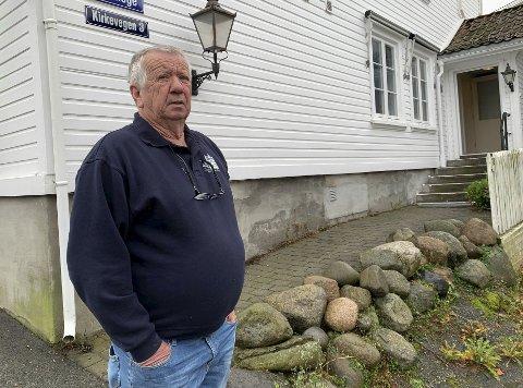 PATRIOT: John Fredrik «Tittei» Fosse er brevikspatriot. Han understreker at det er viktig for både folk som bor i Brevik, og på øyene, at det er et fastlegetilbud i nærheten.