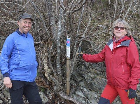 Hekta: Ivar Svalastog og Une Christin Franche testet stolpejakt da de ikke kunne dra på hytta i påska i fjor. De ble umiddelbart hekta, og nå er det stolpejakt for alle penga hele sesongen. På tre uker har de tatt 624 stolper.