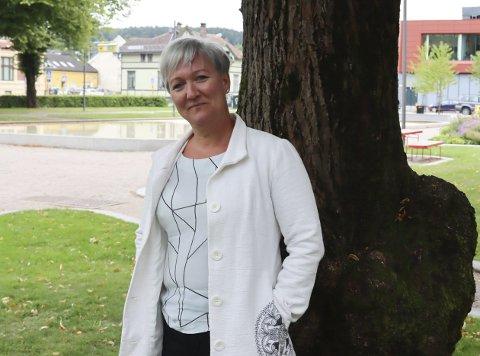 VENTER PÅ SVAR: Kultursjef Mariann Eriksen sier til PD at de ennå ikke har fått noe svar på søknaden, men håpet er at de skal kunne komme i gang og ferdigstille det forberedende arbeidet nå i år. Her er Eriksen fotografert i Rådhusparken, i en annen forbindelse.
