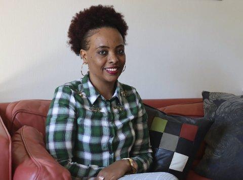 MÅLBEVISST OG GLAD: Mimi Libo kunne ikke noe annet språk enn amharisk da hun kom til Porsgrunn i 2011. Nå er hun ferdig med videregående og søker seg lærlingplass som kokk. Hun er veldig glad det ble Norge og Porsgrunn som ble hennes nye bosted.