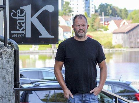 FIKK NEI: Hasse Frøland har fått beskjed fra Ælvespeilet om at de ikke lenger vil selge billetter for Kafe K.