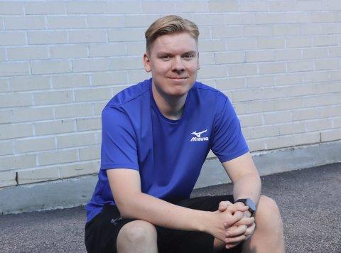 SIGNERT FOR EIDANGER: Jakob Hegna Moum (20) har signert for Eidanger i 5. divisjon. Han ønsket miljøskifte, etter mange år i Langesund. Men han fortsetter som trener for G16-laget i Langesund.