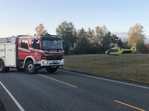Trafikkulykke ved Haaby. Luftambulanse henter hardt skadet syklist.