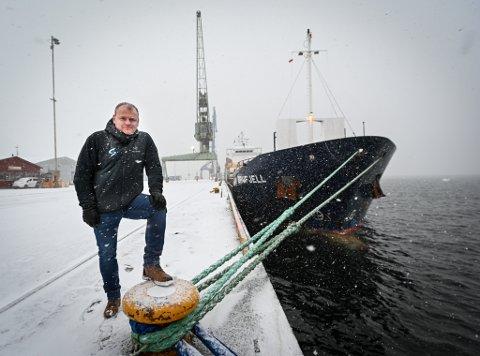- Nå er det bom stopp i at utenlandske sjøfolk kan sette sin fot på norsk jord under besøk i Rana, sier daglig leder Tom Engø i agentfirmaet Mo Shipping AS