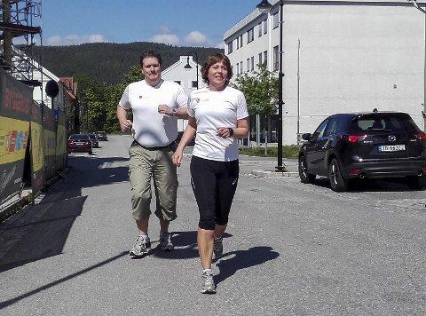 I år skal Per Gunnar Nygård løpe siste etappe opp Storgata på Jevnaker. Line Clausen håper å bli klar til å gjennomføre en etappe. Begge løper for laget Dream Team fra Jevnaker kommune.
