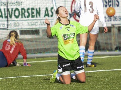 Silje Nyhagen roser medspillerne etter tre viktige bortepoeng.
