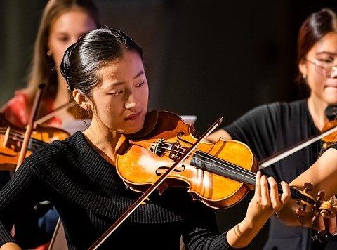 SOMMERSYMFONI: Mer enn 100 barn og unge deltar på sommersymfonien på Klækken i disse dager.
