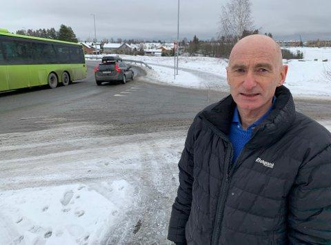VIKTIG PROSJEKT: Avdelingsingeniør Tom Foss håper på byggestart i 2021.. Anlegget får stor betydning for folk i boligområdene langs Romeriksåsen.