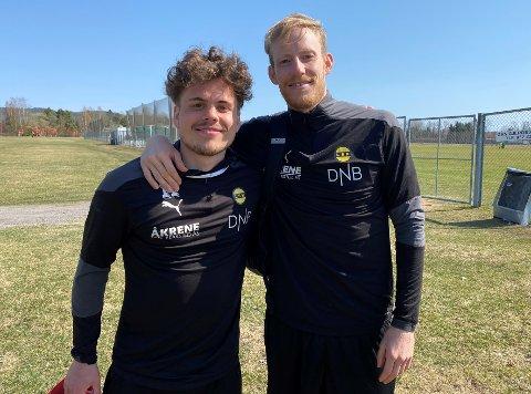 GOD KJEMI: Tobias Svendsen (t.v.) mener han har lært mye av Gjermund Åsen etter at de ble lagkamerater i LSK: