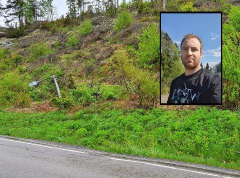REVET NED: Lyktestolper og kabler som går over tomten til Ingvar Barr Aas ble revet over ende og ligger langs veikanten.