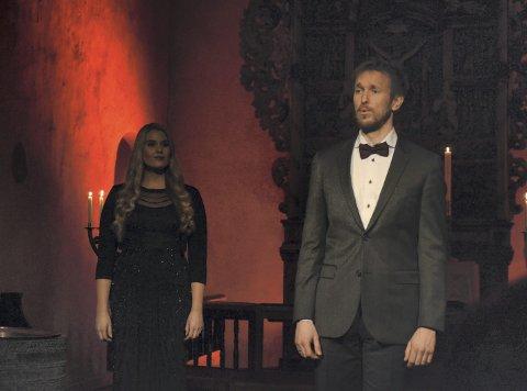 STorslått: Det var god kjemi mellom Ingeborg Soot og Ole Morten Velde her under fremførelsen av O Helga natt.