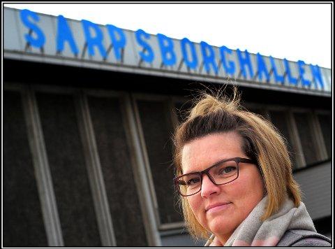FORNØYD: Styreleder Trine Moe i Sarpsborg Turnforening er er glad for at klubben kan arrangere sitt årlige juleshow i Sarpsborghallen der 500 barn og ungdommer skal i aksjon.