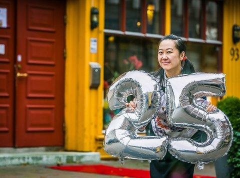 25 år: Jessica Ye eier og driver China Plaza sammen med ektemannen Jimmy Chen i St. Marie gate 93. Sammen har de  drevet det populære spisestedet i litt over 25 år.