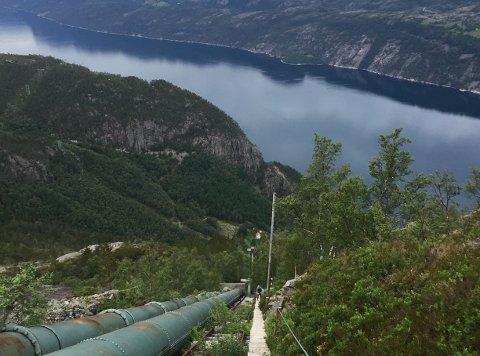 4444 TRAPPETRINN: Flørli i Lysefjorden er i dag mest kjent for verdas lengste tretrapp.