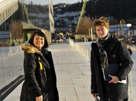 OPERATIMER: Monica F. Lauritsen og sønnen Edward Mustad drar til Den Norske Opera & ballett for å ta sangtimer et par ganger i måneden.foto: anne lill w. aas