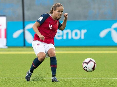 Guro Reiten under  VM-kvalifiseringskamp kvinner Norge - Nederland på Intility Arena tirsdag.