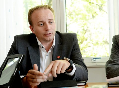 SPILL: Frode Hestnes (Frp) mener ordføreren burde tenkt mer på innbyggerne ikke det politiske spillet.