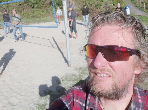 KORONASITUASJONEN: Erik Myrvang er lærer, og synes det er rart at helsen til hans yrkesgruppe nedprioriteres av myndighetene.