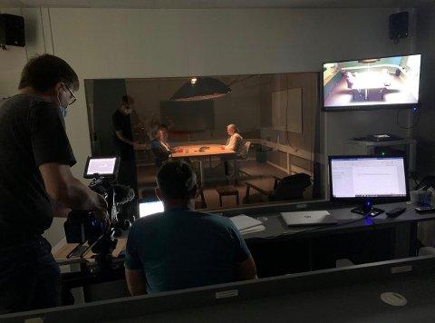 """LØRENSKOGSAKEN: Dramatisering av avhørene med ektemannen, Tom Hagen, er noe av det man får se i """"True crime""""-serien «Forsvinningen fra Lørenskog» på TV2."""