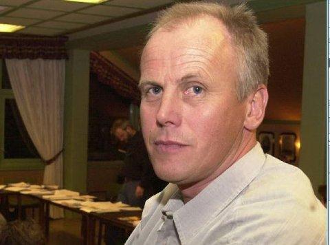 Strutsepolitikk: Eivind Brenna (V) meiner at Senterpartiet driv med strutsepoltikk når dei støtta kutt til breiband.