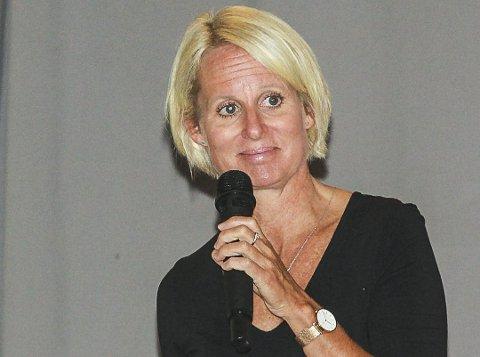 Nesoddenrektor: Rektor ved Nesodden videregående skole, Annika Nordlund, påpeker at noen linjer har oppgang mens andre har nedgang. Foto: Staale Reier Guttormsen
