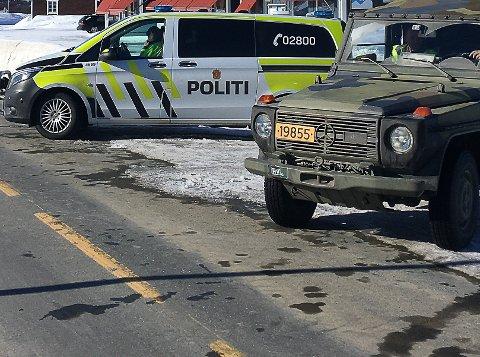 Grensekontroll, Vauldalen. Politi og HV er på plass.