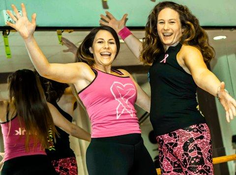 """Susann Zana Hansen og Kristine Victoria Magnus inviterer til """"Pink party"""" på Ås treningsstudion."""