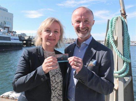 Fylkesråd for samferdsel Svein Eggesvik sammen med reiselivssjef i Visit Bodø, Ann Kristin Rønning Nilsen