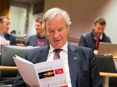 MERKER OLJEPRISEN: Bjørn Kjos, konsernsjef i Norwegian, tror billettprisene vil stige, men at det bli verre for konkurrentene enn for dem. Foto: Terje Pedersen (NTB scanpix)
