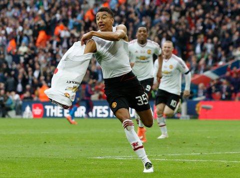 Manchester United-spiller Jesse Lingard feiret lagets andre mål.