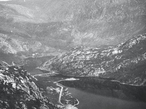 Ungguttene i Markens Bataljon dro ofte på turer fra byen til det langt mer landlige området i Isdalen. Og før det ble demmet opp, var de plassene som i dag ligger under vann, boltreplassene.