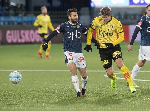 Drammen  20181031. Strømsgodsets Mounir Hamoud t.v og Lillestrøms Thomas Lehne Olsen under semifinalekampen i NM mellom Strømsgodset-Lillestrøm (3-0) på Marienlyst stadion i Drammen.