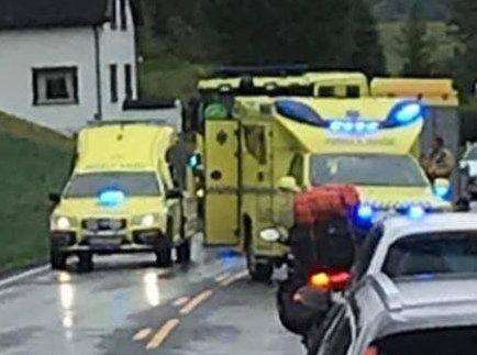 To menn i begynnelsen av 20-årene ble fraktet til sykehuset etter ulykken i Sigdal.