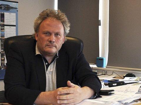 KLAR: Havnesjef Leif Gustav Prytz Olsen er godt forberedt på omlastingsaktiviteten som starter i Sarnesfjorden på tirsdag.