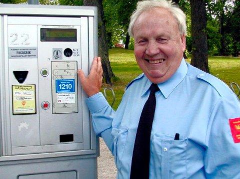 KJENT MANN: Per Edvardsen var for mange i bybildet kjent for sin jobb gjennom parkeringsetaten.