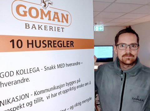 Jubilant Stian van Rooij Fjeld har i nesten halvparten av sitt 40-årige liv jobbet på Gomanbakeriet Østfold. 8FOTO: GL