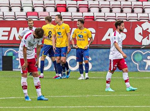 Nicolay Solberg, Stian Stray Molde, Ludvig Begby og resten av FFK-spillerne fortvilte etter poengtapet søndag.